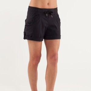 Lululemon play in the sun shorts
